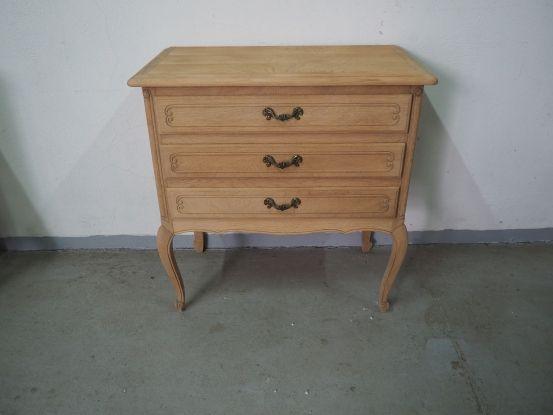 Oczyszczona szafka ludwikowska z szufladami 961