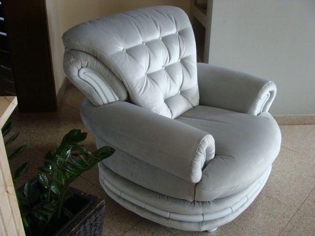 Fotel pikowany stylowy, jasnoszary, po gruntownej renowacji, jak nowy