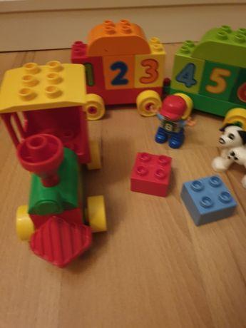 Lego duplo pociąg z literkami