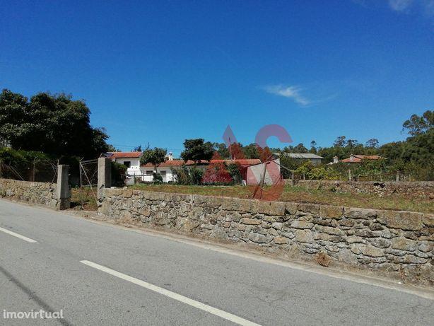 Terreno para construção com 800 m2 em Carvalhas, Barcelos