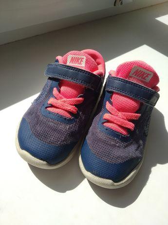 Классные кроссовки для девочки Nike 24 25 р.