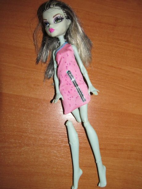 Кукла Монстер хай на запчасти или реставрацию