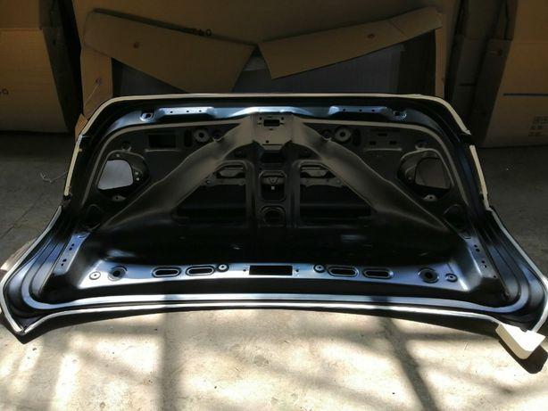Honda Accord 2018 USA. Крышка багажника.