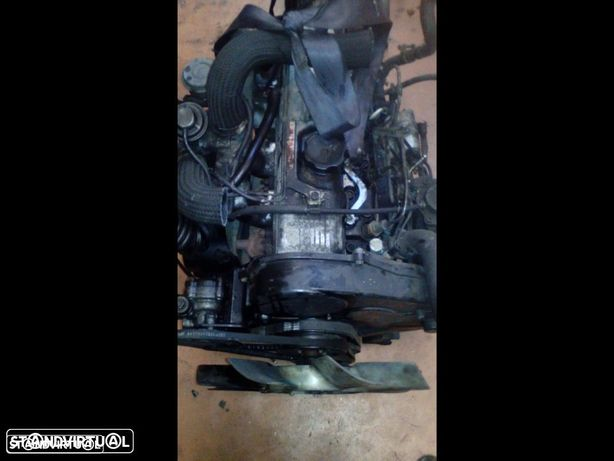 Motor Mitsubishi L200 2500 TD Ano 2000