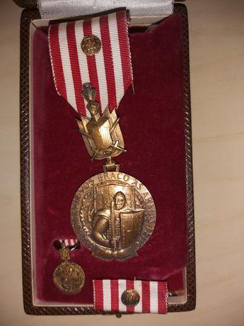 Medalha Militar - Serviços Distintos - Grau Ouro