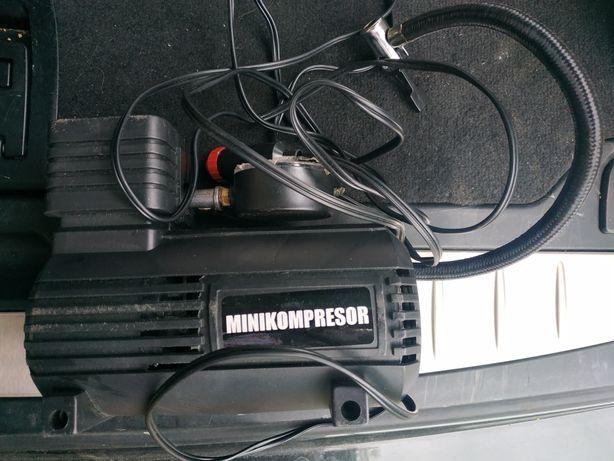 Mini kompresor prawie nowy