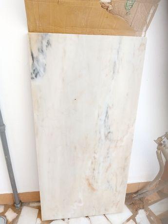Pedra mármore grande