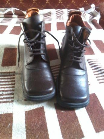 """Фирменые женские ботинки """"Саламандра""""."""