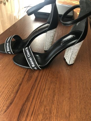 Босоножки туфли на каблучке