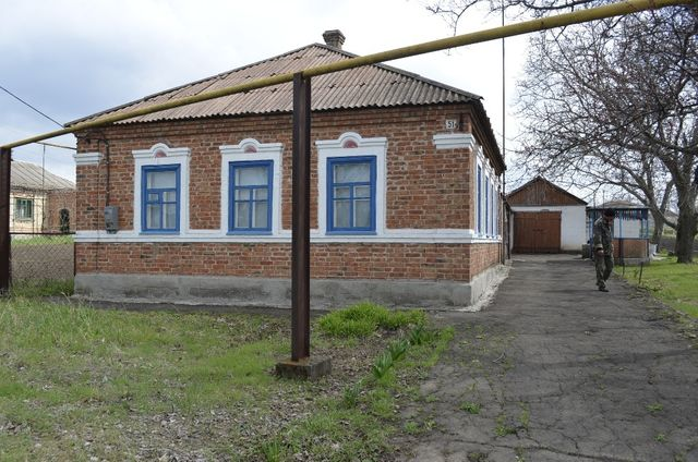 Дом без посредников Мангуш, 4 ком., газ, удобства в доме и на улице.