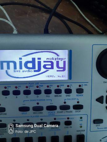 Modulo de Auto acompanhamento Ketron Midjay - (Midi teclado acordeão )