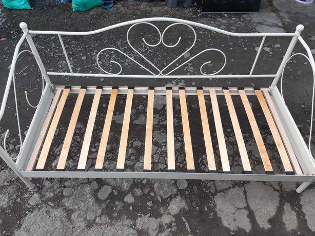 Metalowa rama łóżka plus materac 200 x 90 cm