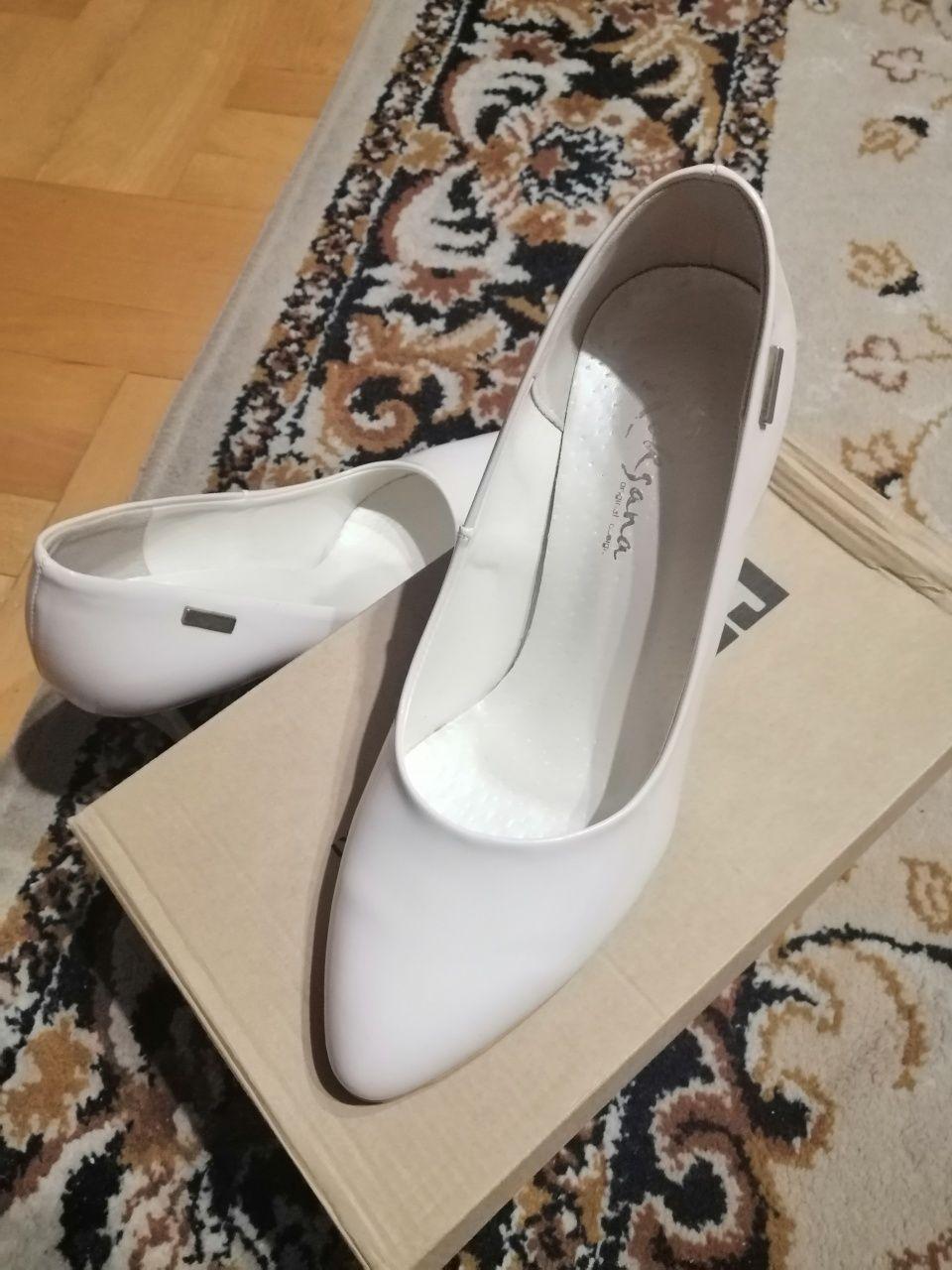 Czółenka, buty damskie, niska szpilka