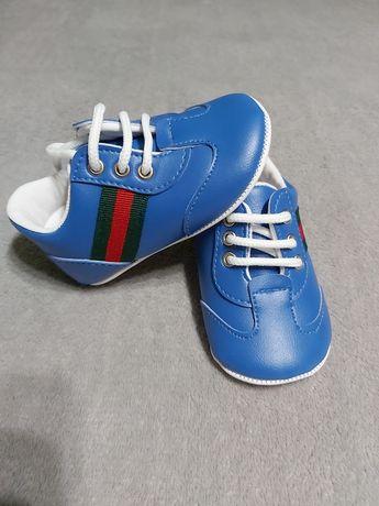Кросівочки для маленького модника