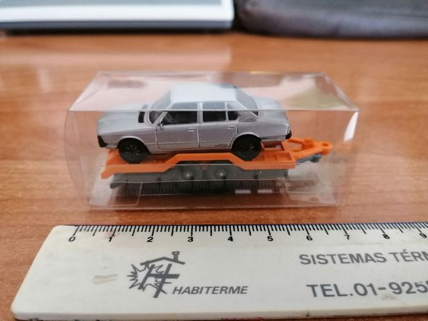 Miniatura Bmw 528i - escala 1:87