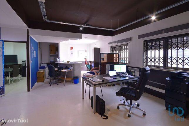 Loja - 170 m²