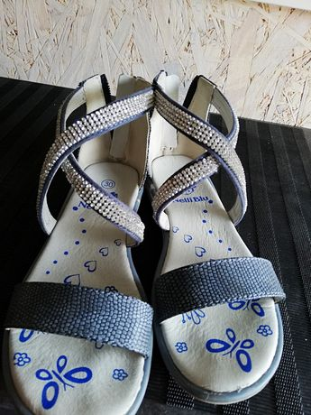 Sandałki z cyrkoniami