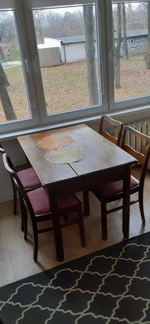 sprzedam  stół drewniany z 4 krzesłami