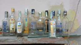 Горілчані та інші пляшки.