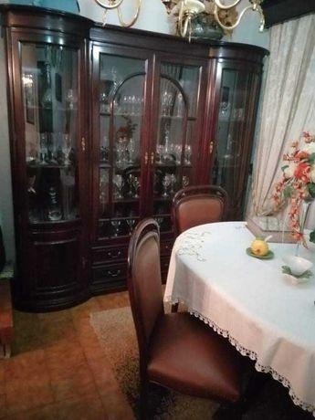 Móveis sala e mesa com cadeiras em pele bom estado em cerejeira