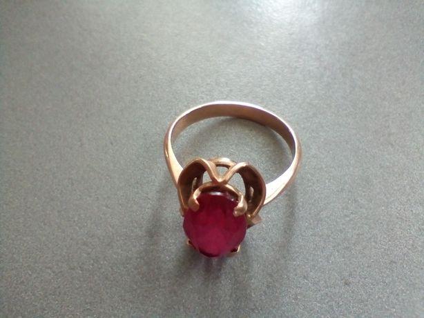 Продам набор кольцо и серьги