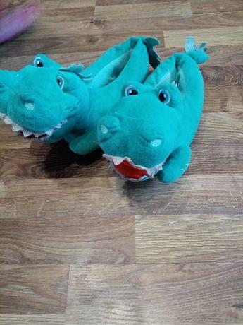 Kapcie pantofle pantofelki dinozaury dinozaur smok Lidl lupilu