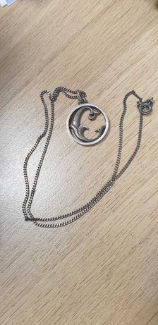 Warmet srebrny łańcuszek z literka E