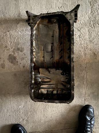 Поддон двигателя от мерседес w210 e200 2001 (R 111 014 08 02)