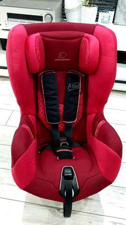 Fotelik samochodowy Bebe Comfort Axiss bordowo czerwony 9-18kg