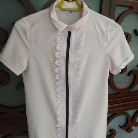 Школьная блузка нежно-персиковый цвет