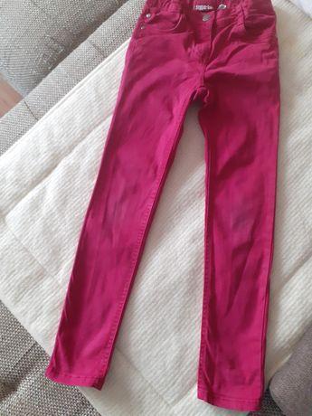 Spodnie jeans rózowe na dziewczynkę 134