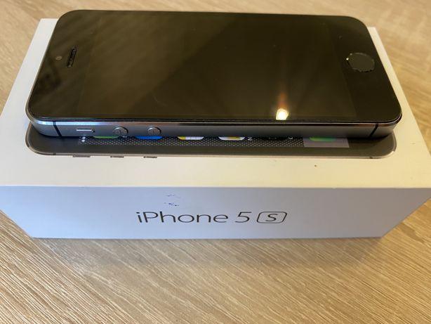 Продам Айфон iPhone 5s 16 gb