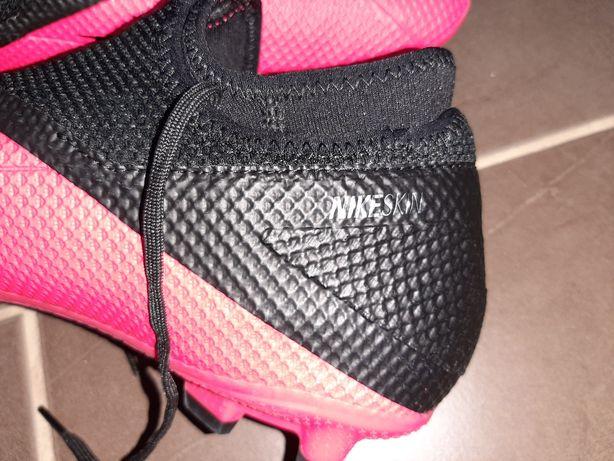 Chuteiras Nike s