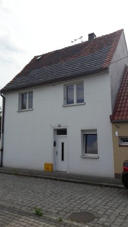 Sprzedam Dom Lewin Brzeski podwórko mieszkanie