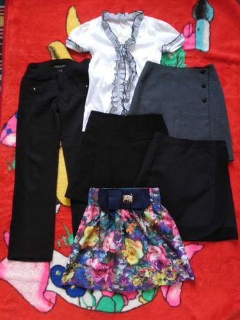 Одяг для дівчинки 8-9 (10) р. Куртки. Одежда для девочки.