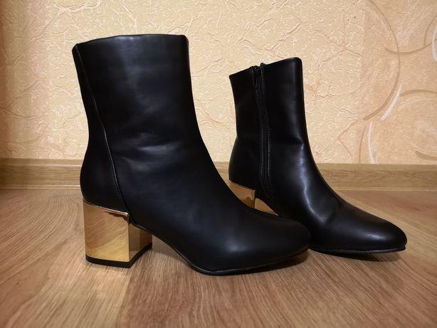 Новые женские ботинки sinsay ботильоны