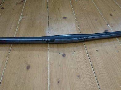 Guiador truvativ noir t30 700mm carbono