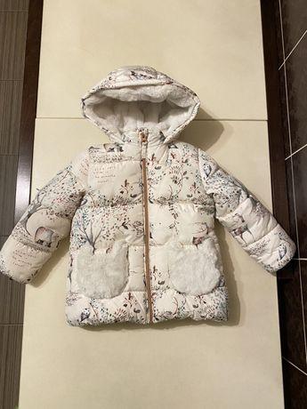 Продам б/у куртку  для девочки