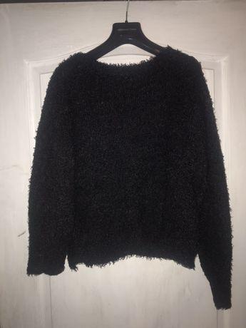 Пушистый черный свитер DIVIDED H&M
