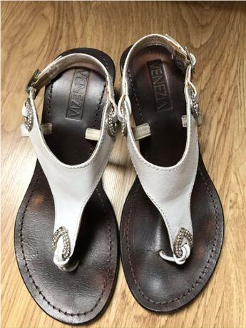VENEZIA sandały białe na koturnie - roz 39