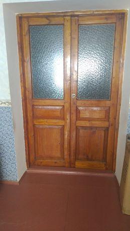 Продаю двери  б/у в хорошем состоянии
