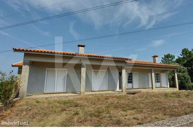 Moradia T4 Isolada, em fase de acabamentos, Oliveira do Bairro