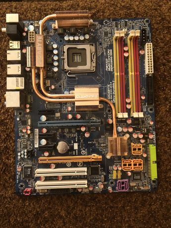 Материнська плата GIGABYTE GA-P35-DS 4 Ultra Durable 2 775 socket