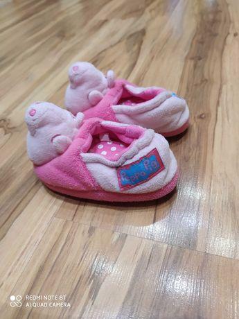 Kapcie pantofle bambosze Świnka Peppa rozmiar UK 4