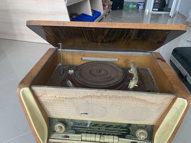 Магнітофон рарітет  1962 року