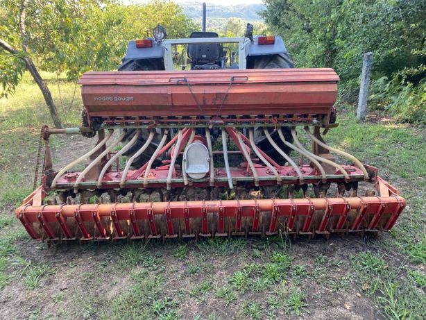 Rotofresa com semeador de erva removível