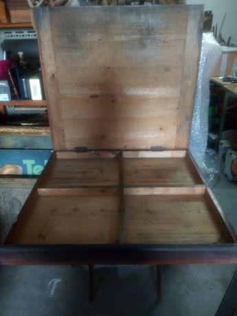 Grande antiga caixa em madeira - tipografia