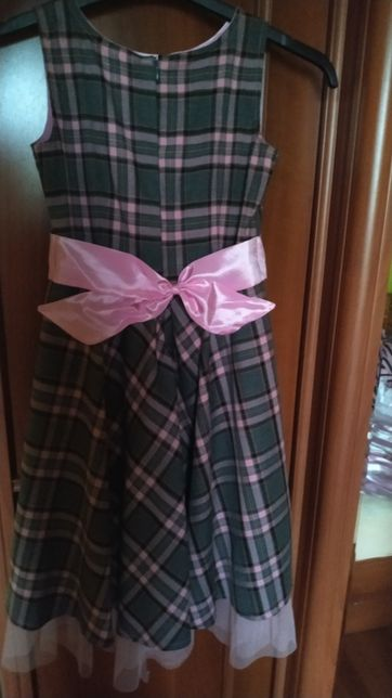 Sukienka w kratkę rozmiar 140