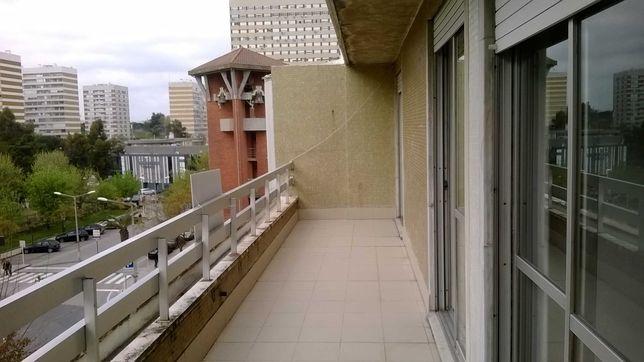 Apartamento na Urbanização do Portela de Sacavém