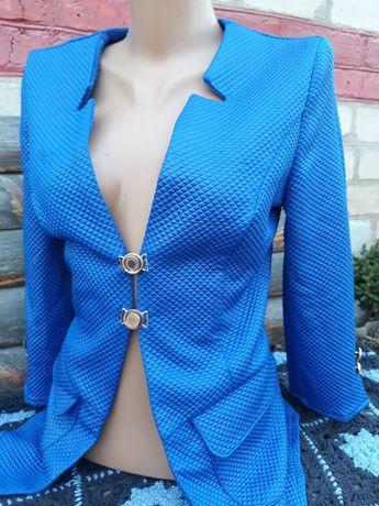 Пиджаки новые, размер S